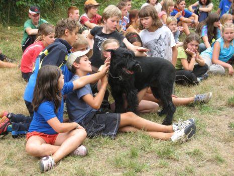 San s dětma na táboře v Borači